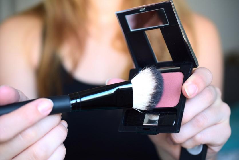 Puder-Rouge richtig auftragen | Makeup Tutorial