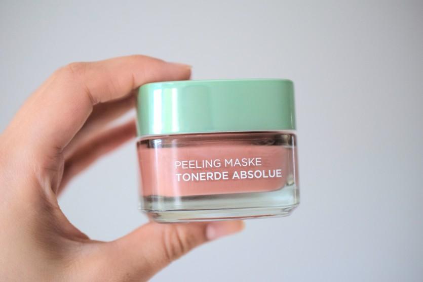 Scheinwerfer an: die Peeling Maske von L'Oréal mit Tonerde
