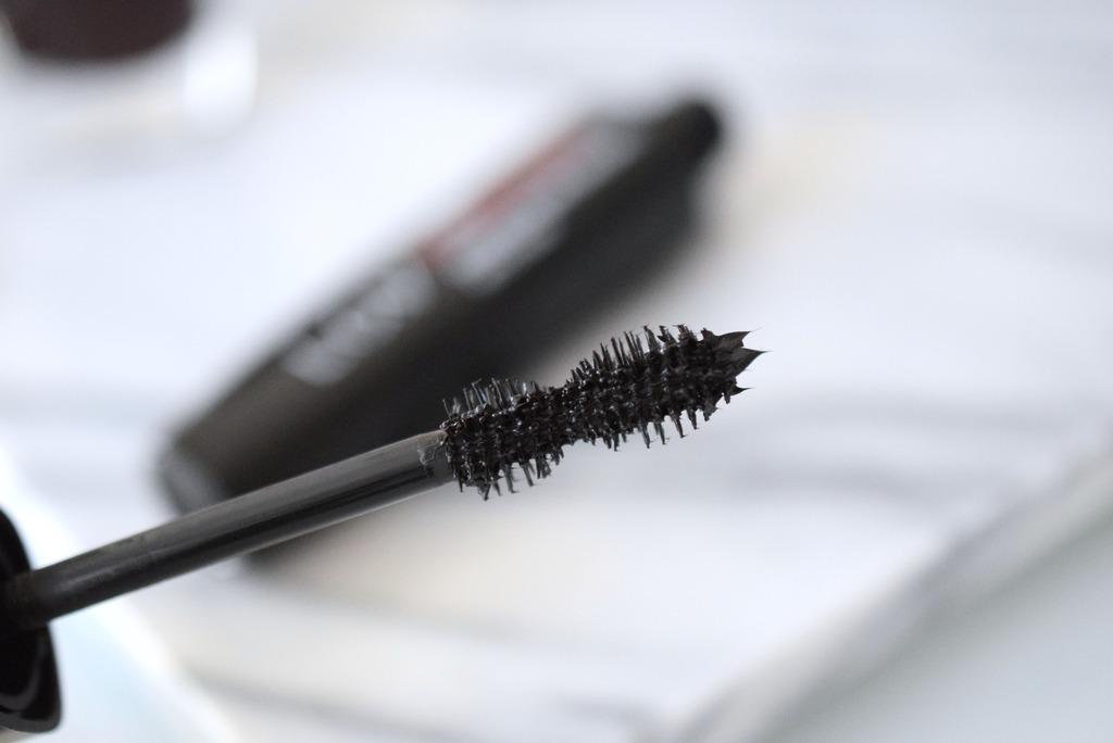 LOV Cosmetics nei bei Rossmann
