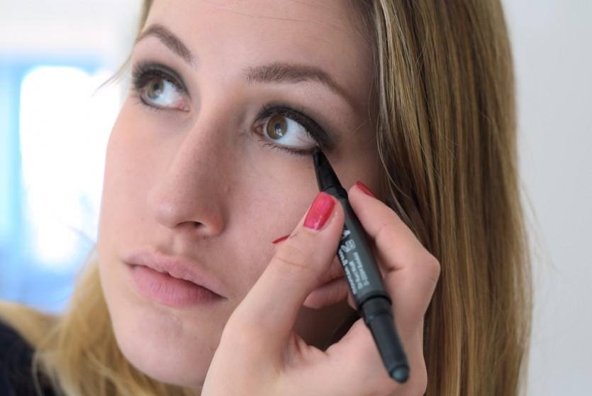 Green Eye Pink Lips Makeup Tutorial Setp by Step Makeupblog München Beautyblog Schminken