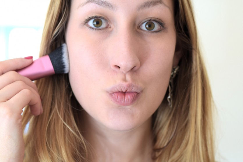 Green Eye Pink Lips Makeup Tutorial Setp by Step Makeupblog München Beautyblog Schminken